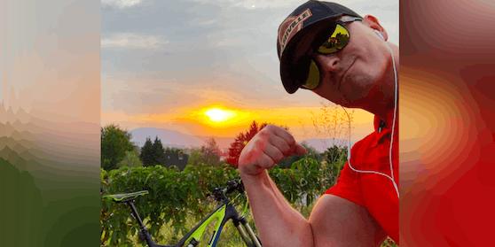 Andreas Gabalier zeigt sich beim Radeln mit Radler