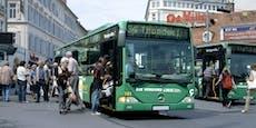 Blondine nötigt Bus zu Notbremsung – Schülerin verletzt