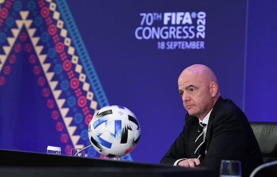FIFA-Boss Gianni Infantino muss einen Verlust von 800 Millionen Dollar verkraften.