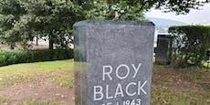 """""""Roy Black ist weg!"""" – Unbekannte stehlen Büste"""
