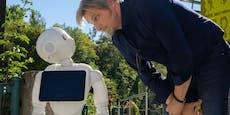 """Roboter ermittelt bei """"SOKO Donau""""-Dreh in Steyr mit"""