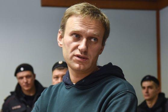 Alexej Nawalny: Der vergifteteOppositionspolitiker ist aus dem Koma erwacht.