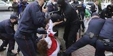 Erneut hunderte Frauen in Minsk festgenommen