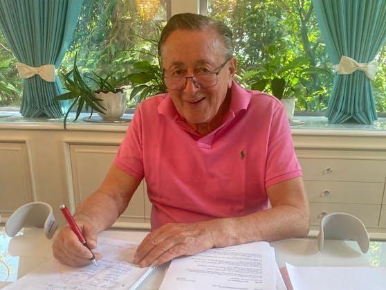 Am Dienstag konnte Richard Lugner zum ersten Mal wieder sein Büro in der Lugner City aufsuchen.