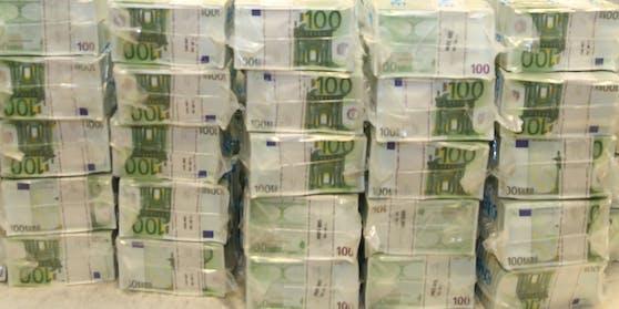 Am Sonntag geht es um rund 2,6 Millionen Euro.