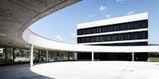 Täter schnitten in Badener Hochschule Tresor auf