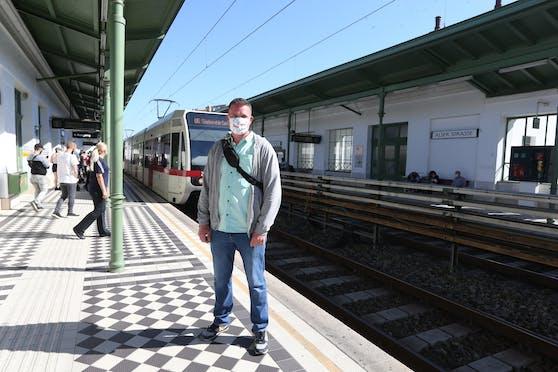 Alexander (37) ist seit neun Jahren Kontrolleur bei der Wiener Linien.