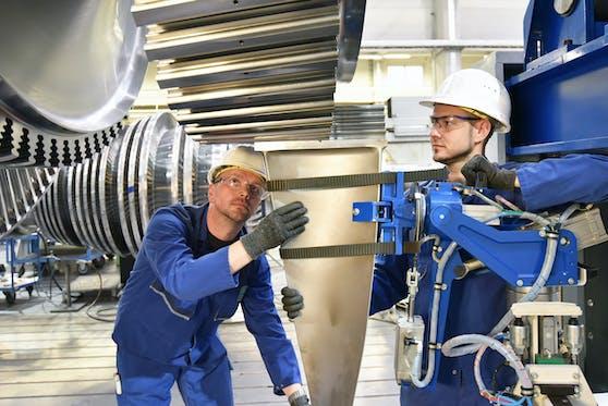 Die AK hat erhoben, wieviel Arbeiter und Angestellte in Oberösterreich verdienen.