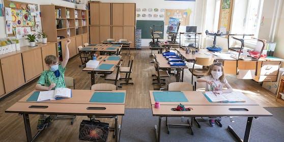 """Ein Schul-Shutdown ist noch nicht vom Tisch, erklärtClemens-Martin Auer, Sonderbeauftragter im Gesundheitsministerium, jedoch die """"ultima ratio""""."""