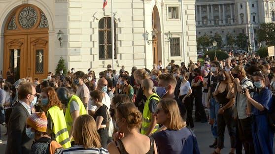 Wegen zwei Demonstrationen kommt es in der Wiener Innenstadt zu Verkehrseinschränkungen.