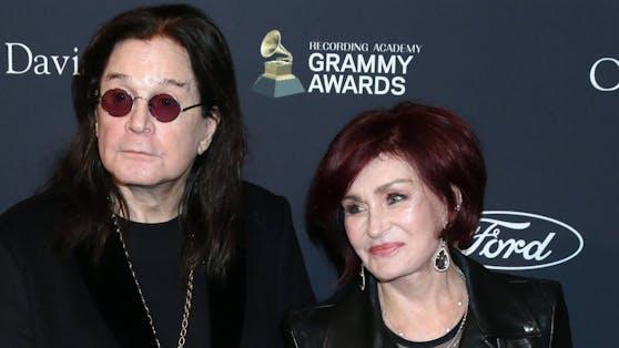 Sharon Osbourne erholt sich von ihrer Corona-Erkrankung, darf in dieser Zeit aber keinen Kontakt zu Ehemann Ozzy Osbourne haben.