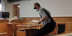 Mann warf mit Kackbomben auf Wiener Landesgericht