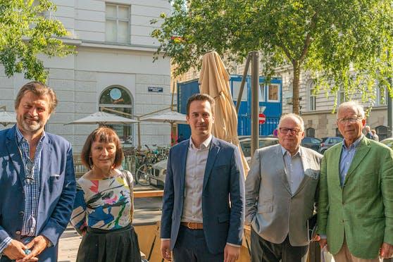 Martin Rohla (Goodshares), Irmgard Kischko (Lobby 16), Christoph Wiederkehr (Neos Wien), Christian Konrad und Ferry Maier (Allianz.Menschen.Würde.Österreich).