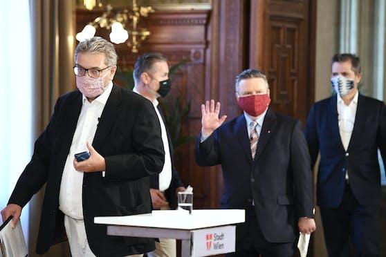 Michael Ludwig und Peter Hacker (SP):In Wien darf weiter bis 1 Uhr Früh gefeiert werden.