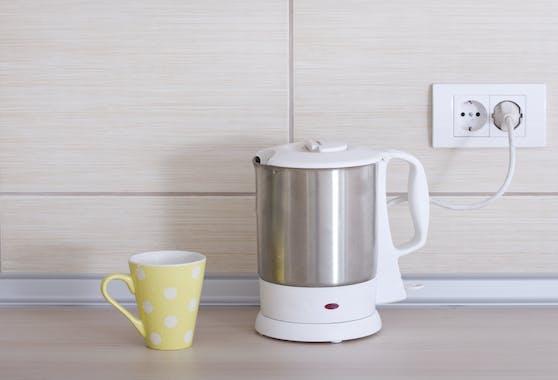 Noch einmal aufkochen oder wegleeren? Es ist ratsamer, das Wasser nach dem Aufkochen gleich zu verbrauchen oder es wegzuschütten.