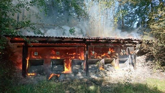 Die abgebrannt Holzkonstruktion.