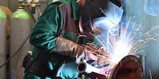 Metaller erhalten ab November mehr Lohn
