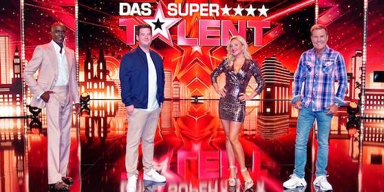 """Seit diesem Wochenende ist die neue """"Supertalent""""-Jury im Einsatz: (v.li.) Bruce Darnell, Chris Tall, Evelyn Burdecki und Dieter Bohlen sind auf der Suche nach neuen Talenten."""