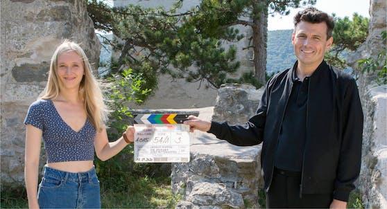Manuel Rubey und Theresa Riess beim Dreh in Niederösterreich