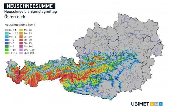 In der Nacht auf Samstag sinkt die Schneefallgrenze in den Nordalpen gegen 1000 m ab, stellenweise sogar etwas tiefer. So sind vorübergehend selbst in Mariazell nasse Schneeflocken möglich. Am meisten Neuschnee fällt in den Gletscherregionen am Alpenhauptkamm mit bis zu 50 cm Neuschnee.