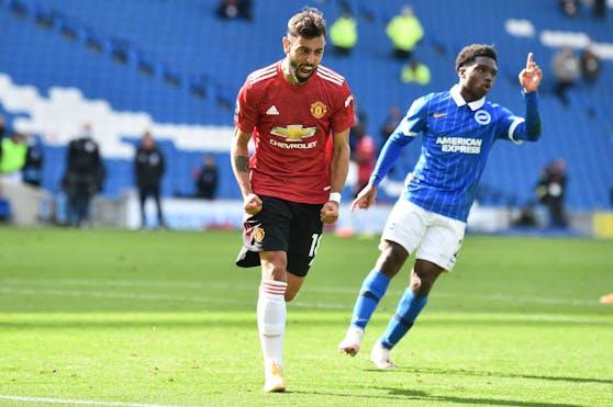 Bruno Fernandes lässt United spät jubeln.