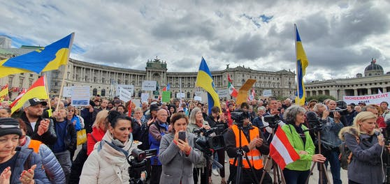 Verschwörungstheoretiker versammelten sich am Samstag in der Bundeshauptstadt.