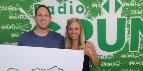 Radio Grün Weiß-Eigentümer Nicole Präpasser und Peter Petzner freuen sich über die massive Sendegebietserweiterung.