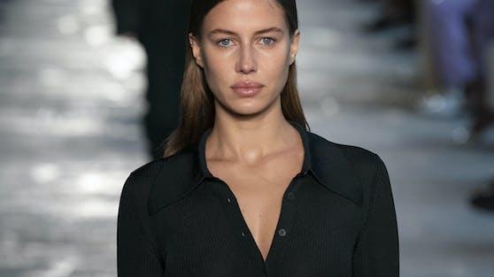 Nicole Poturalski für die Hugo-Boss-Marke Boss auf der Mailänder Modewoche.