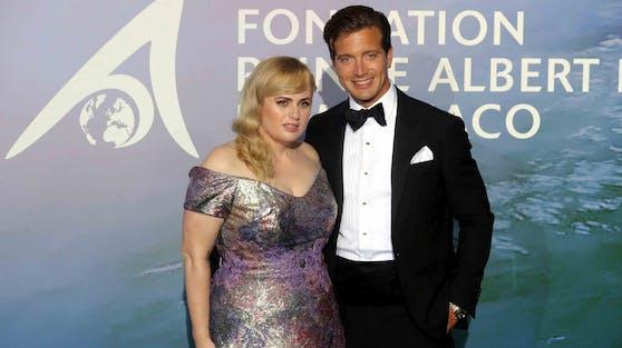 Kürzlich strahlte Rebel Wilson an der Seite ihres Partners Jacob Busch in Monaco, nun zieht es den Hollywood-Star ins Salzkammergut.