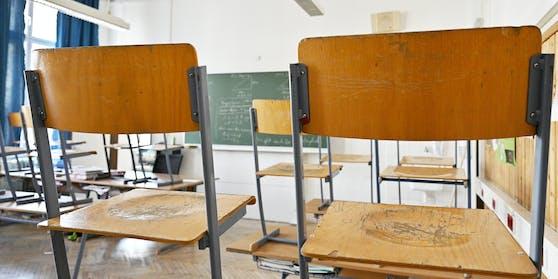 Die Schulen könnten noch länger geschlossen bleiben.