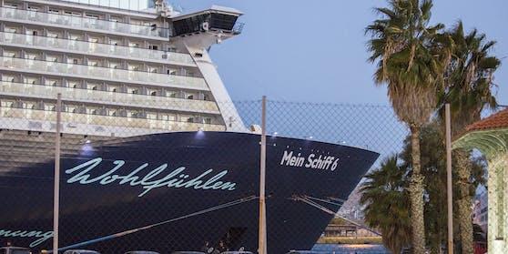 """12 Besatzungsmitglieder auf der """"Mein Schiff 6"""" sind positiv auf Sars-CoV-2 getestet worden."""
