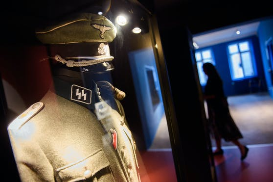 Eine Uniform der SS in einem Museum in Sonderburg, Dänemark. Symbolbild