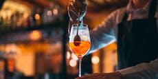 AK Wels hilft Barkeeper, erstreitet 4.290 Euro