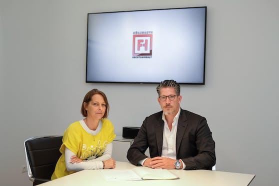 Michaela K. (48) mit Anwalt Florian Höllwarth
