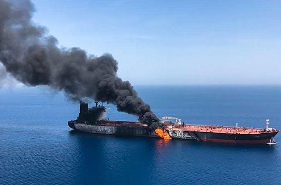 Auf einem Öltanker vor Sri Lanka ist ein Feuer ausgebrochen. (Symbolbild)