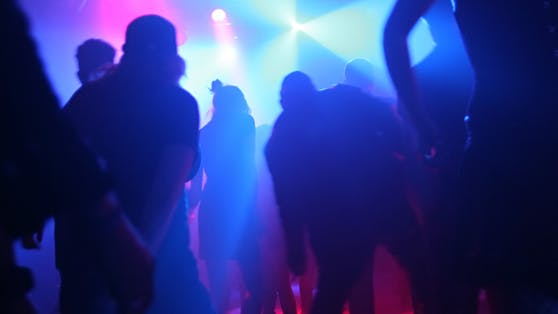 Nach einem Clubbesuch fühlen sich viele Partygäste krank.