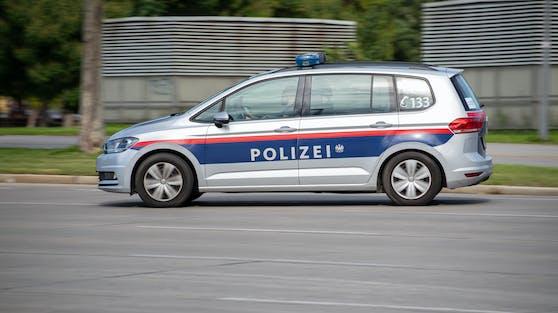 Die Polizeistreifen konnten den Mann auf einem Parkplatz zum Anhalten zwingen (Symbolbild).