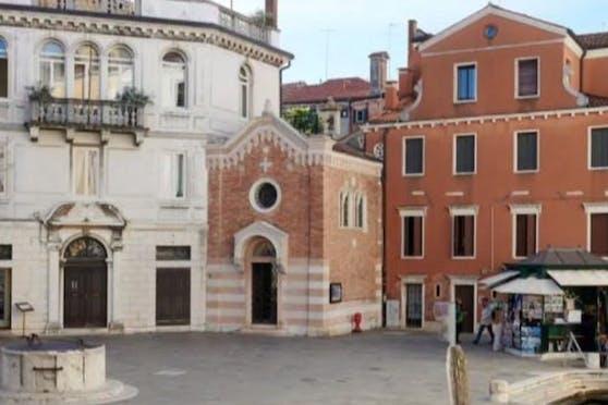 Das Oratorio San Vio liegt direkt neben dem Canal Grande.