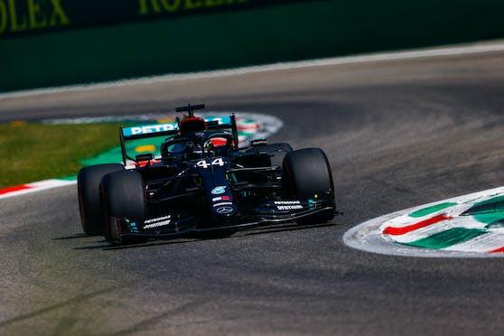 Lewis Hamilton rast zur Pole Position.