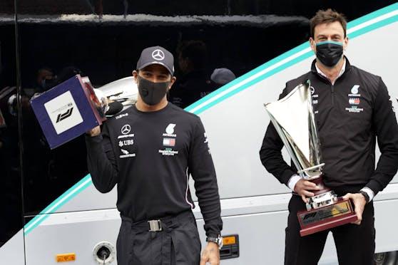 """Lewis Hamilton scherzt über den D""""Party Mode""""."""