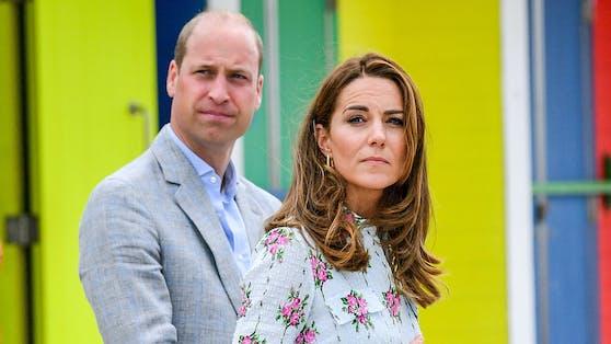 Prinz William und Herzogin Kate sind entsetzt: Die Polizei fand den leblosen Körper einer Frau in der Parkanlage vor ihrem Wohnsitz.