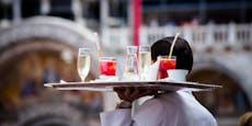 Wiener Oberkellner brach nach 12-Stunden-Tagen zusammen
