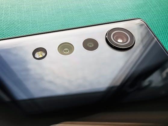 Das Kameramodul des LG Velvet. Nur die Hauptlinse ragt etwas hervor.