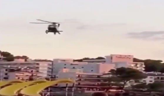 Mit dem Helikopter wurden Strandbesucher auf geltende Maßnahmen aufmerksam gemacht.