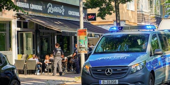 Ein Polizeieinsatz bei einer Shisha-Bar in Berlin 2019.
