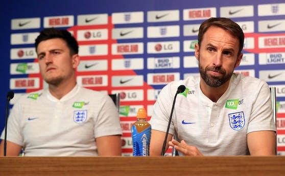 England-Teamchef Gareth Southgate (r.)