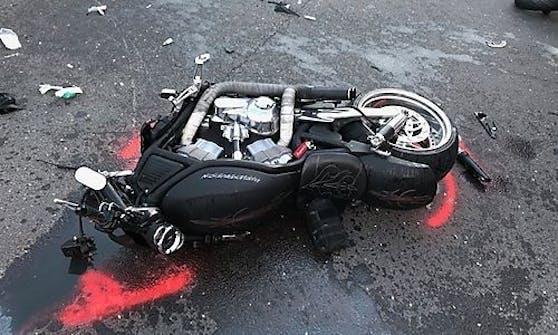 Der Harley-Fahrer wurde nach seinem Unfall von Ersthelfern reanimiert. (8. September 2020)