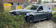 24-Jähriger schrottet Mercedes AMG bei illegalem Rennen