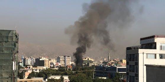 Selbst Kilometer vom Anschlagsort entfernt war noch eine Rauchwolke zu sehen.