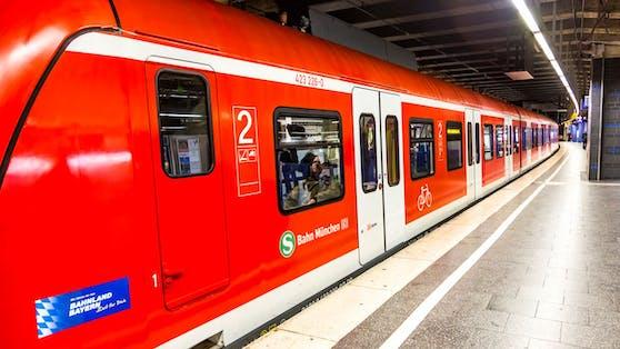 Der Vorfall ereignete sich in einer Münchner S-Bahn.